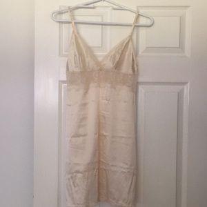 Wacoal silk chemise S